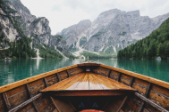 North Italy tour by board on lakes
